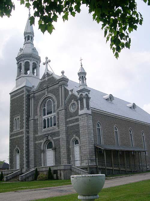 Église Saint-Alphonsus-de-Liguori, L'Isle-aux-Allumettes ©Conseil du patrimoine religieux du Québec