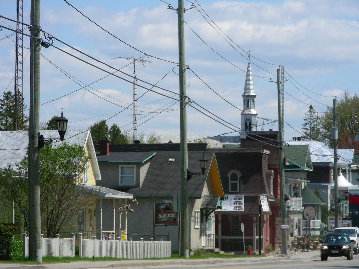 Rue Notre-Dame, Montebello. ©MRC de Papineau, 2009. Photo : Marie-France Bertrand