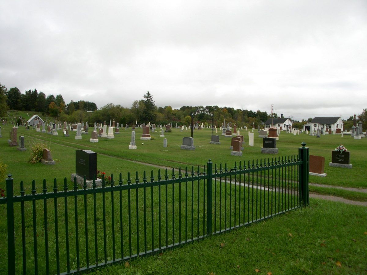 Cimetière du village/St. Paul