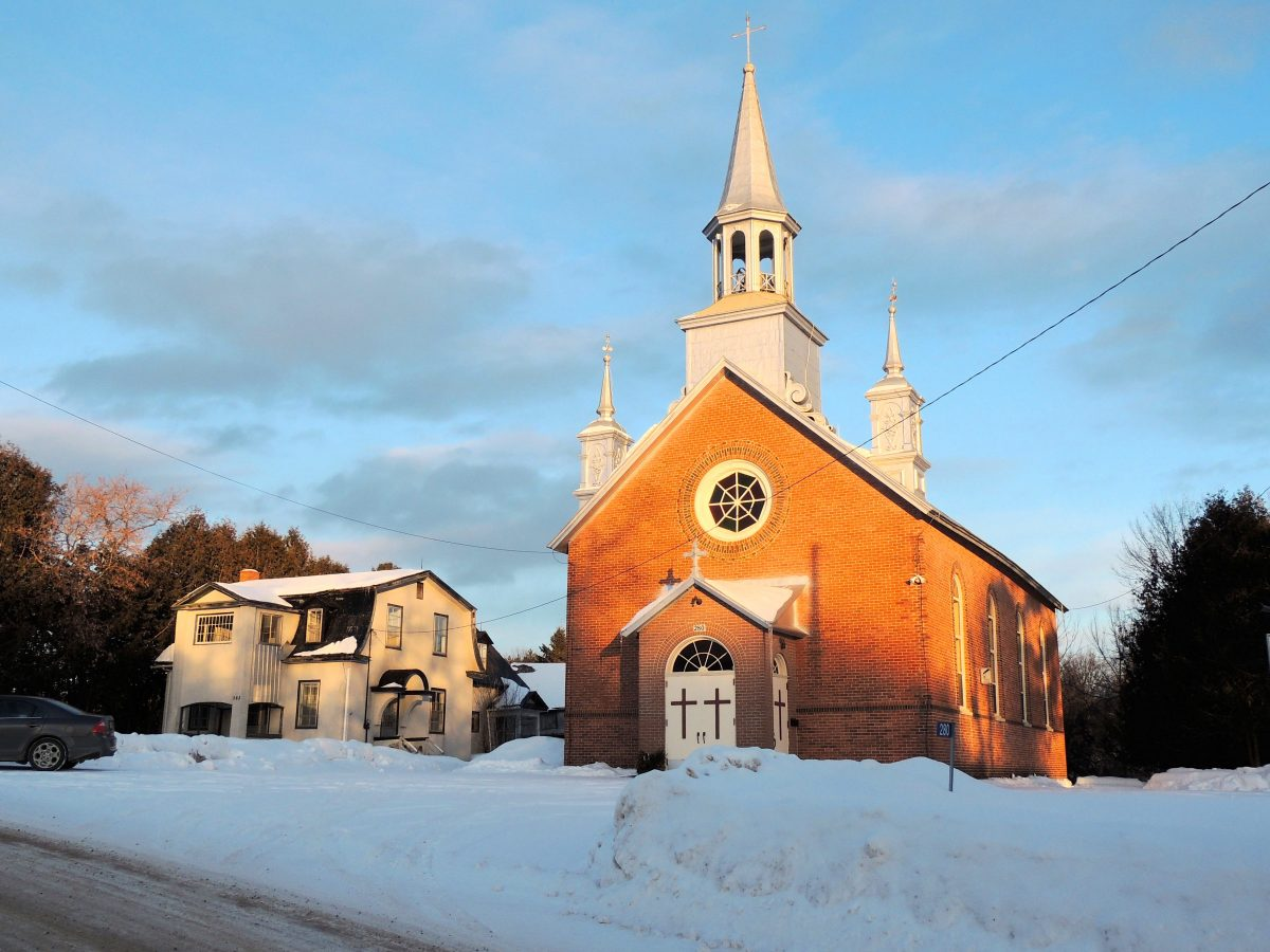 Église Saint-Martin, Low, Martindale. Photo : Gérald Arbour