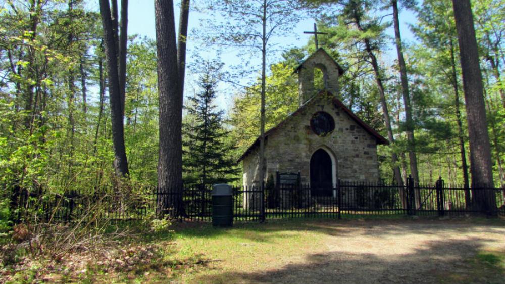Chapelle funéraire Louis-Joseph-Papineau, Montebello ©MCC, 2014. Photo : Catalina Gonzalez-Hilarion
